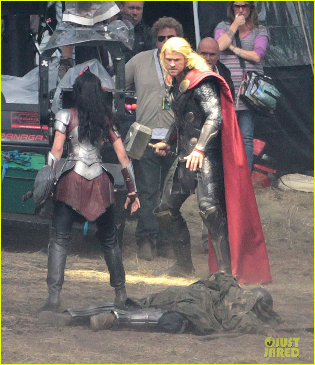 chris hemsworth thor 2 begins filming first set pics 092719378