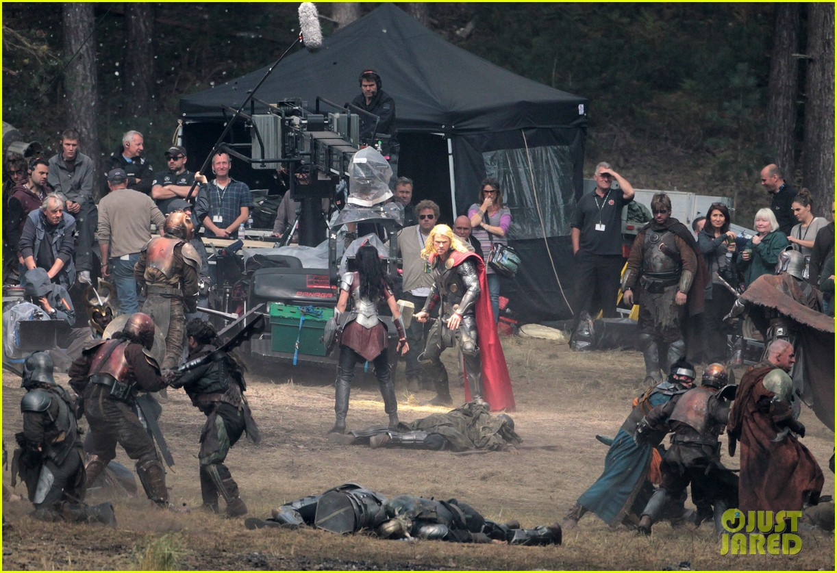 chris hemsworth thor 2 begins filming first set pics 192719388