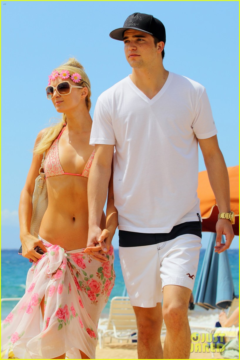 paris hilton river viiperi hawaiian beach vacation 03