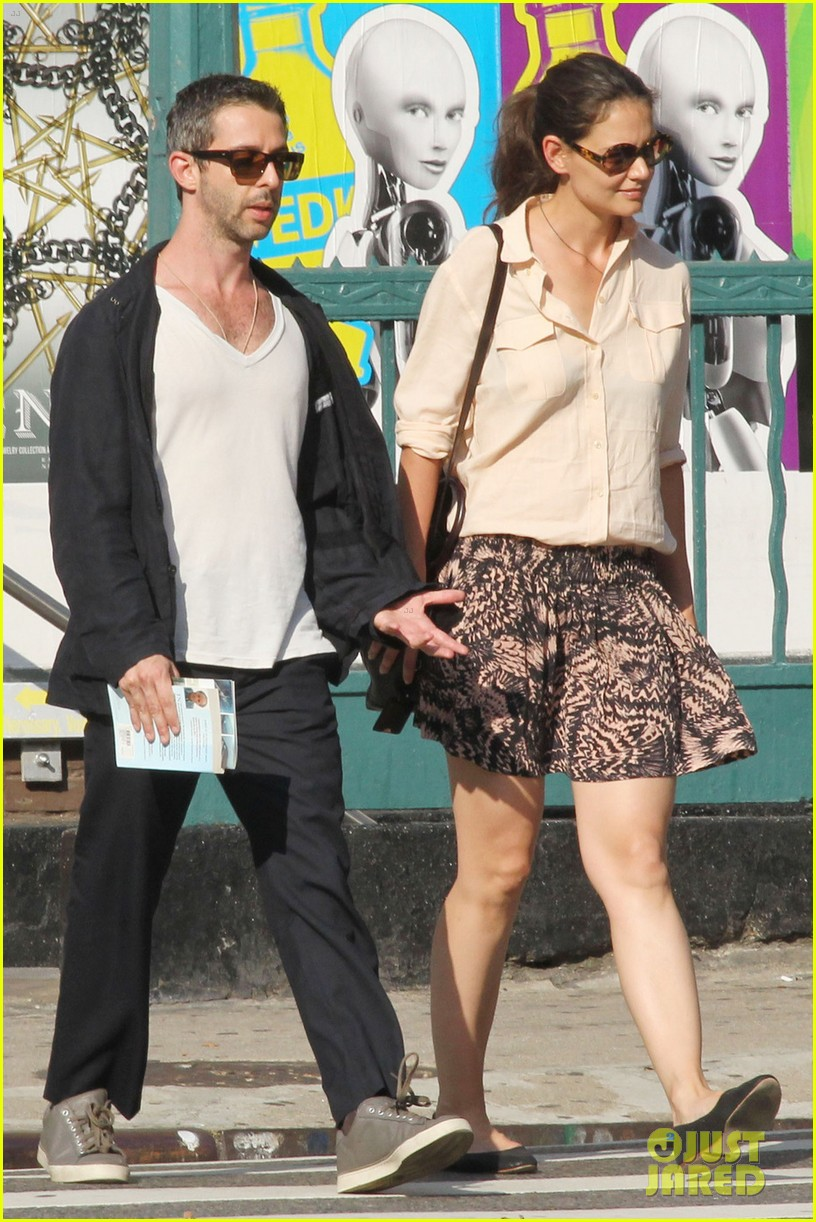 katie holmes broadway play jeremy strong 052714574
