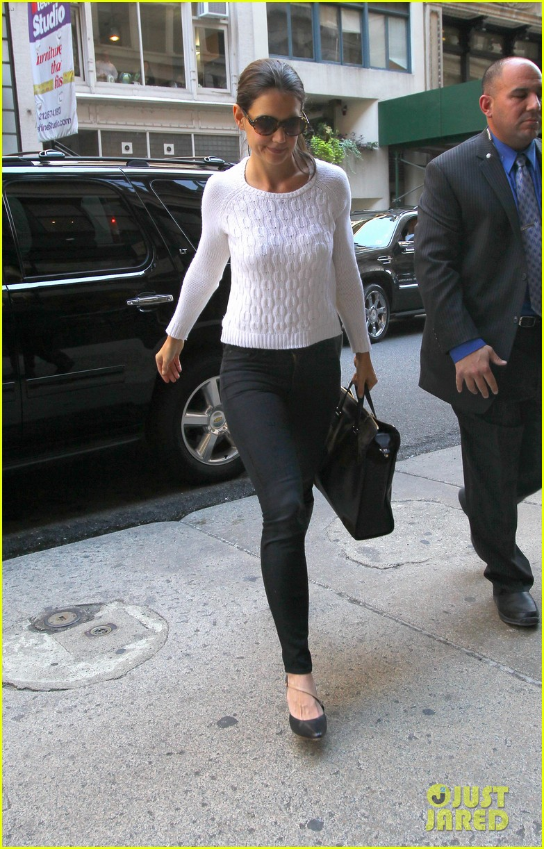 katie holmes lunches after holmes yang show 082720330