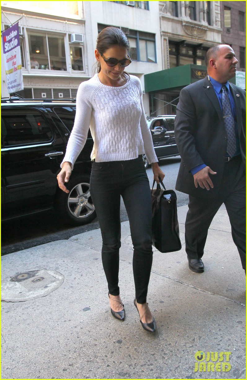 katie holmes lunches after holmes yang show 092720331