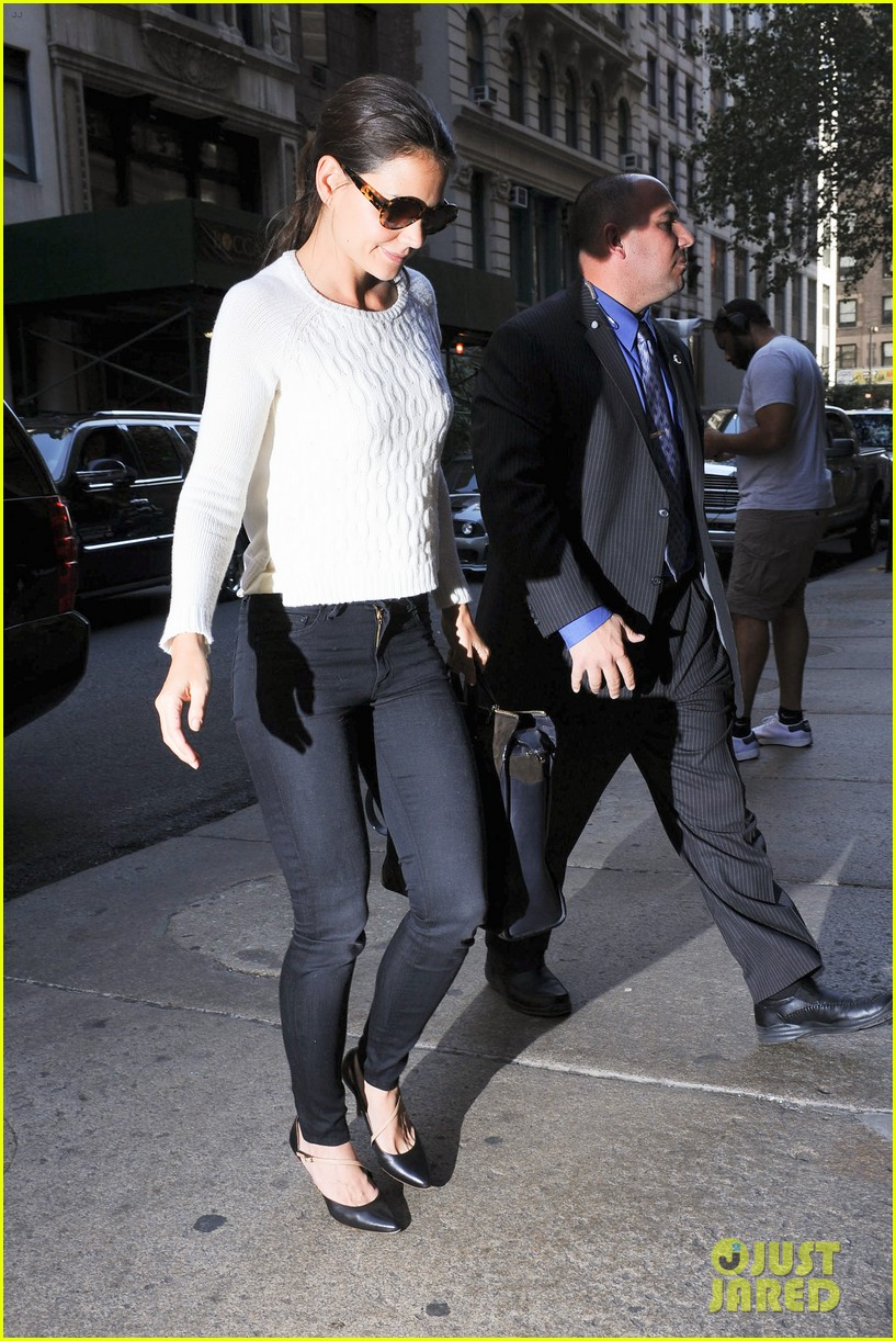 katie holmes lunches after holmes yang show 142720336