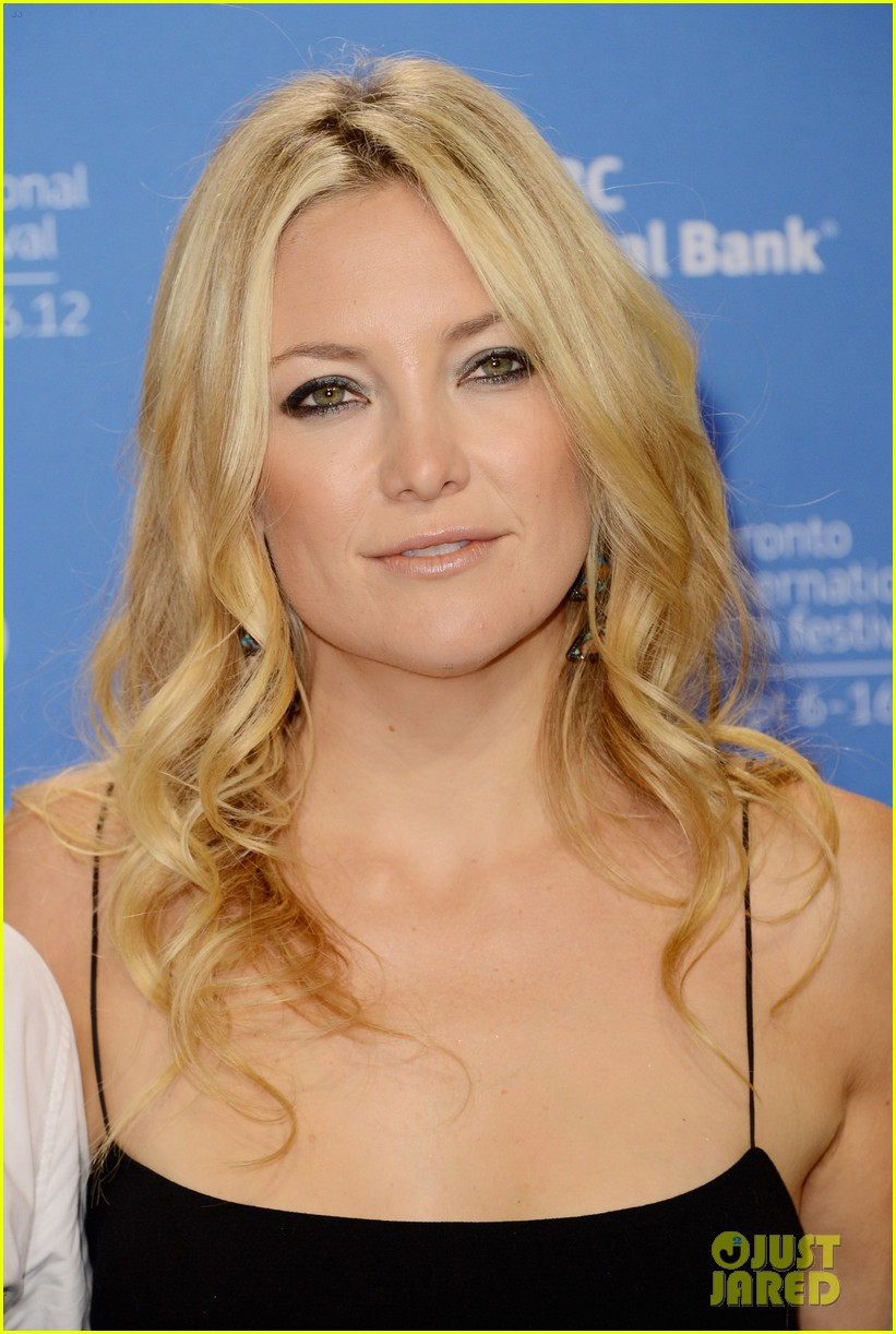 kate hudson reluctant fundamentalist photo call 042718070