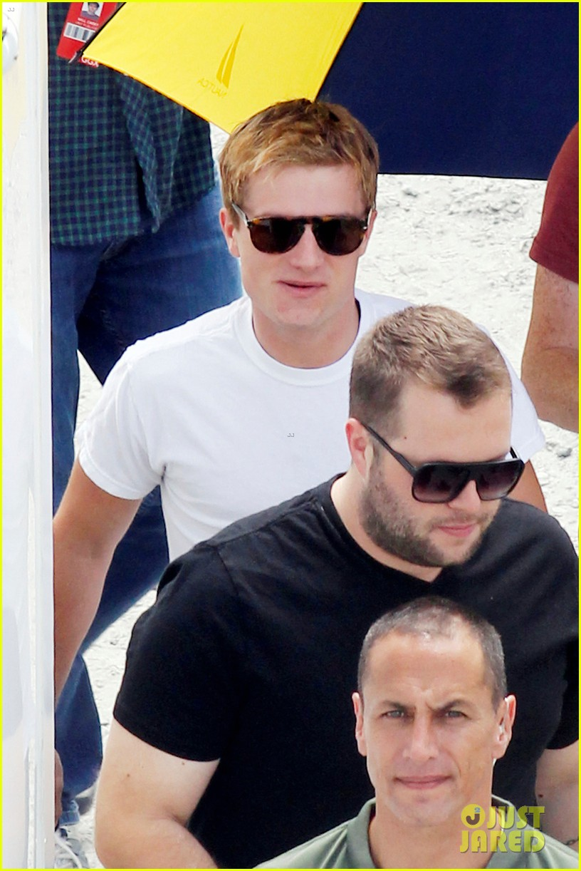 josh hutcherson first photos from catching fire set 07