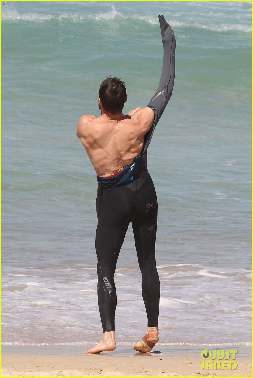 hugh jackman shirtless at bondi beach 032726457