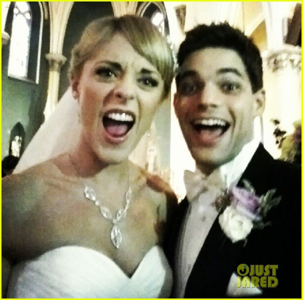 newsies jeremy jordan married to ashley spencer 012717314