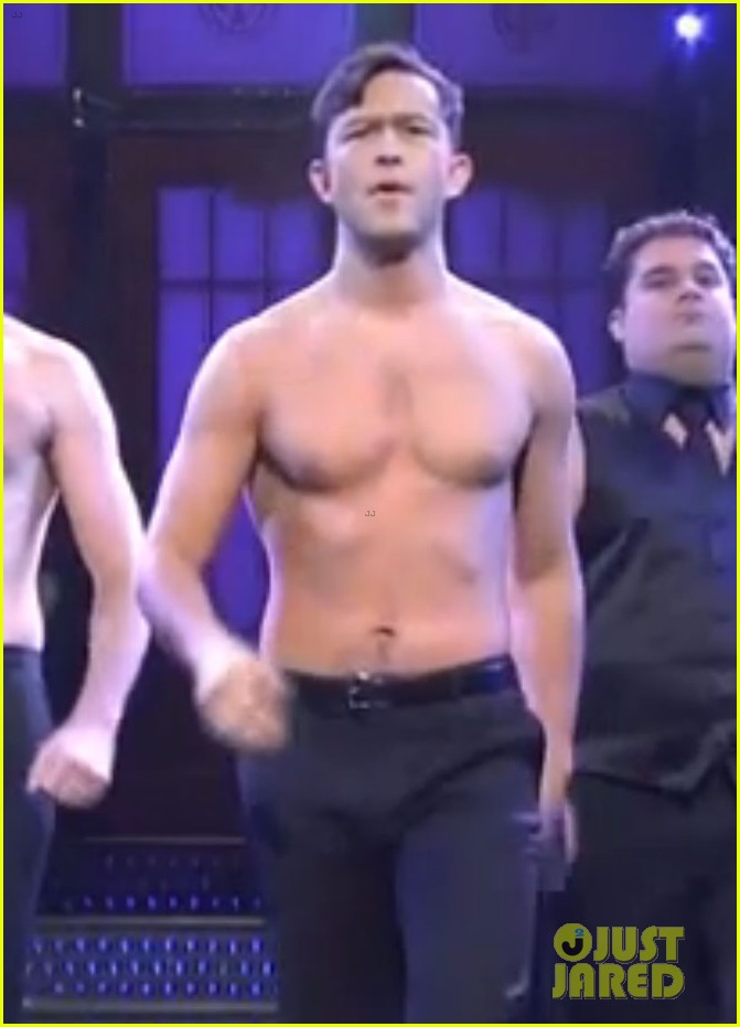 joseph gordon levitt shirtless magic mike dance on snl 042726845