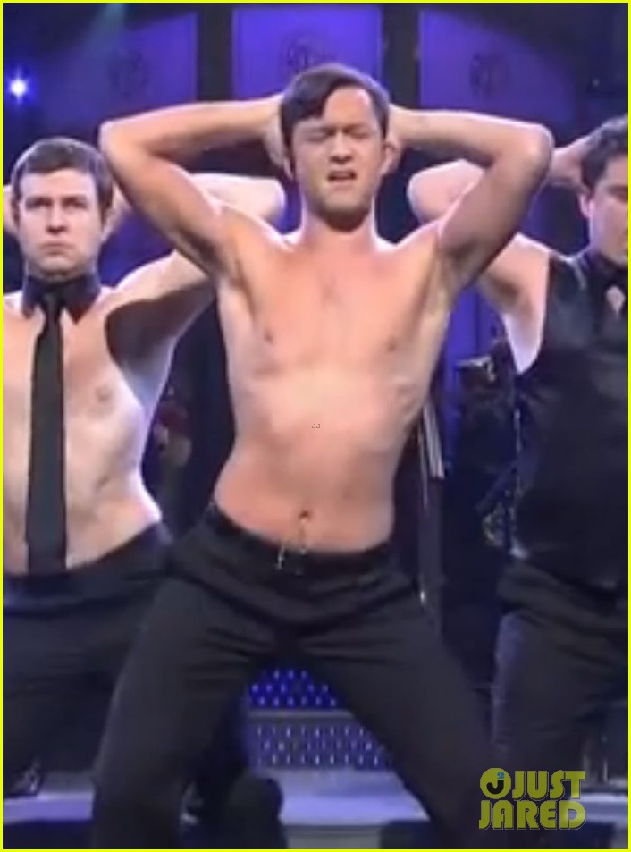 joseph gordon levitt shirtless magic mike dance on snl 05