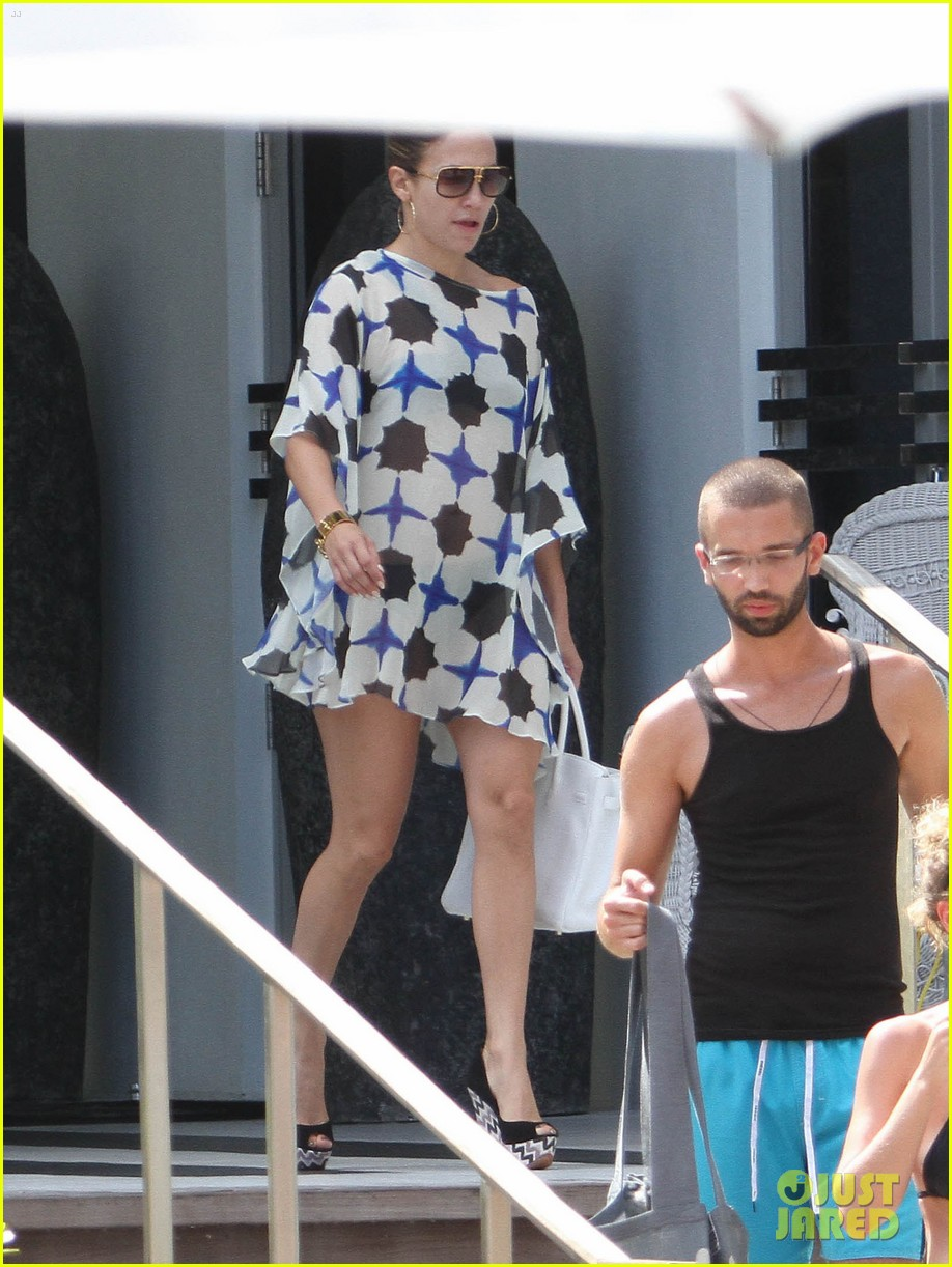 jennifer lopez bikini casper smart shirtless 012712528