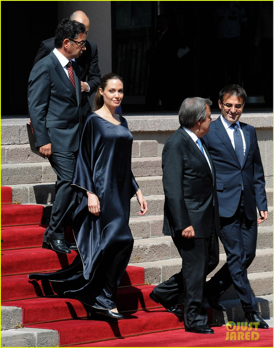 angelina jolie meets turkish prime minister 032721861