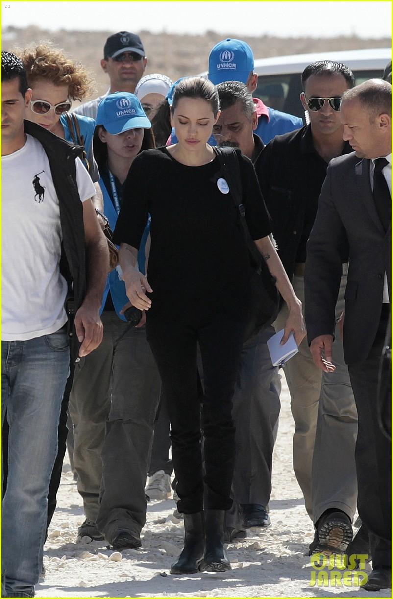 angelina jolie zaatari refugee camp visit 022719314