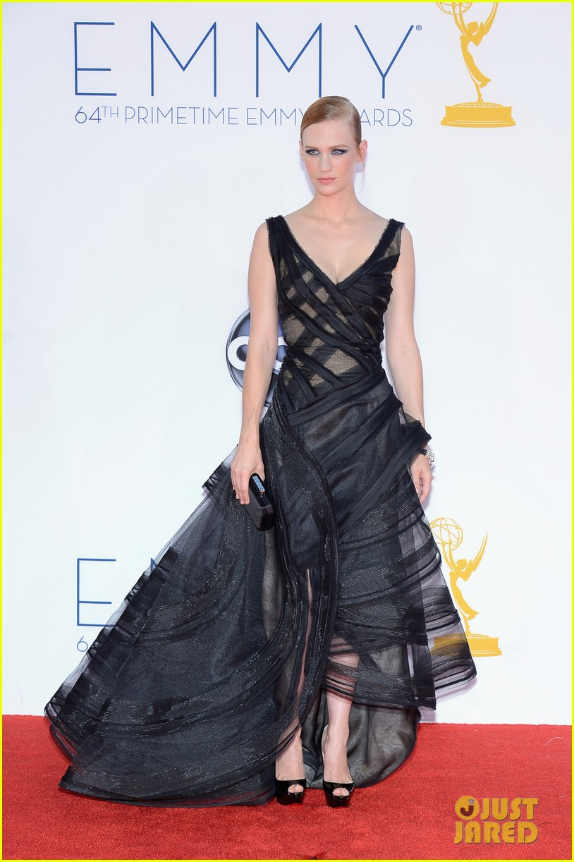 january jones jessica pare emmys 2012 red carpet 05
