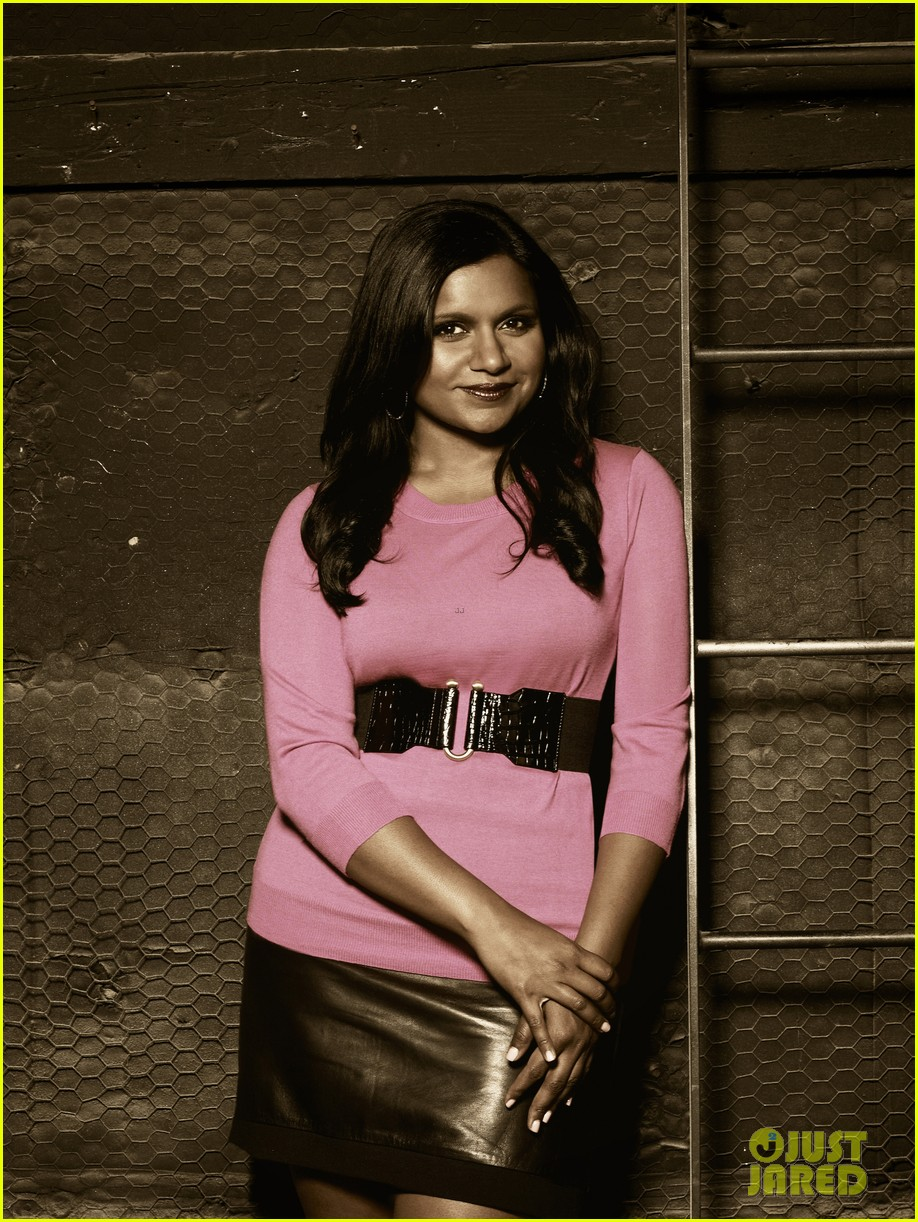 mindy kaling dakota johnson faces of fox campaign 012714448
