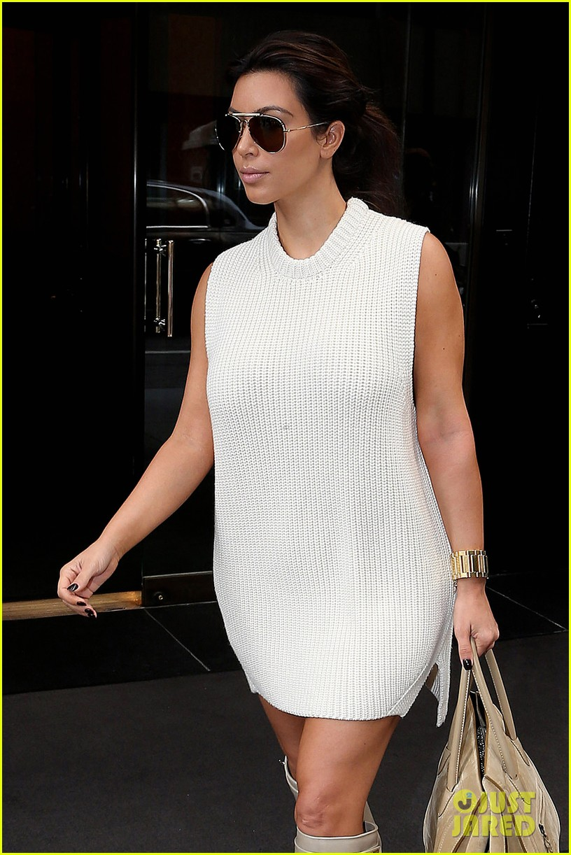 kim kardashian perfume signing for fashions night out 042716126