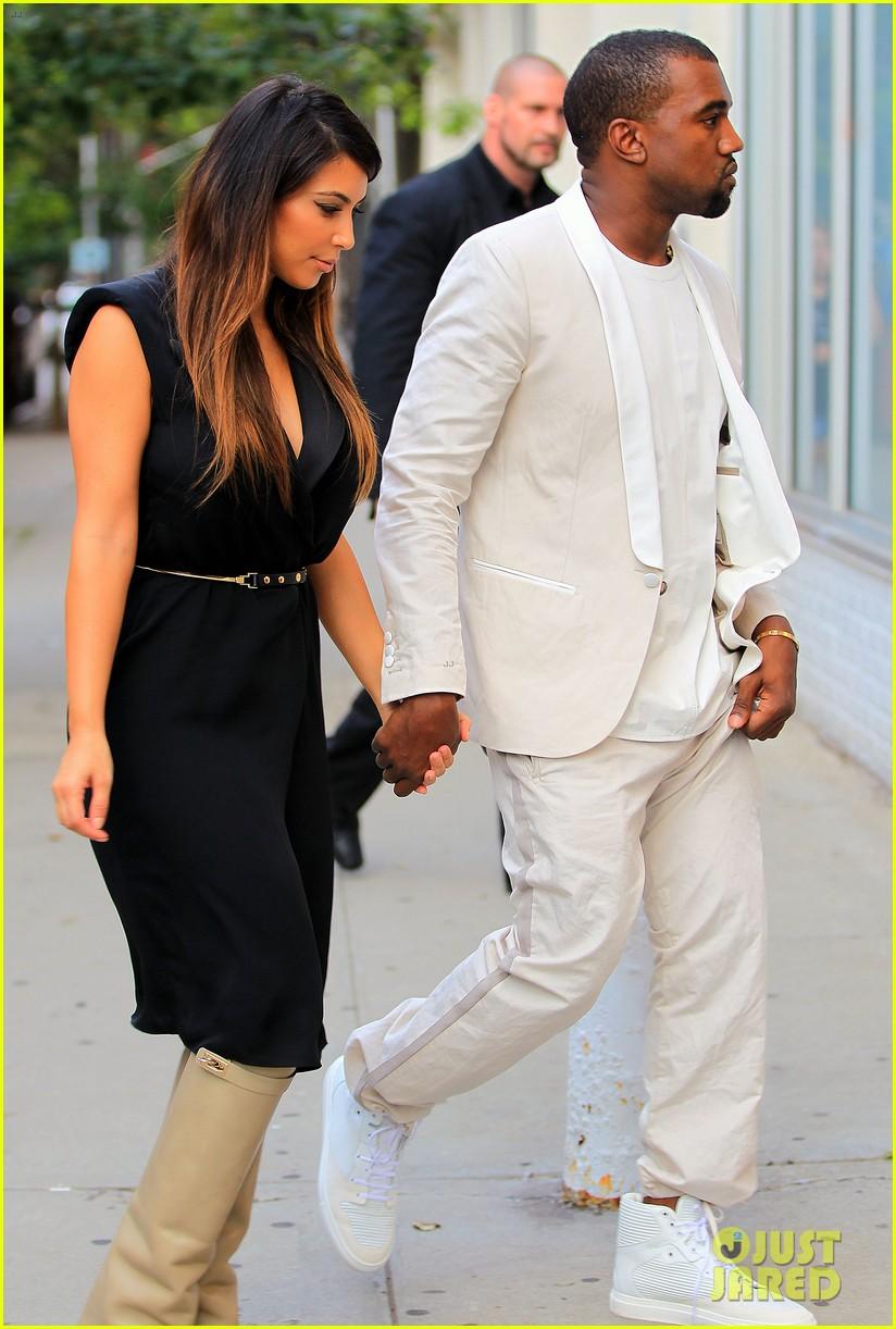 kardashian nyc shopper 092713136