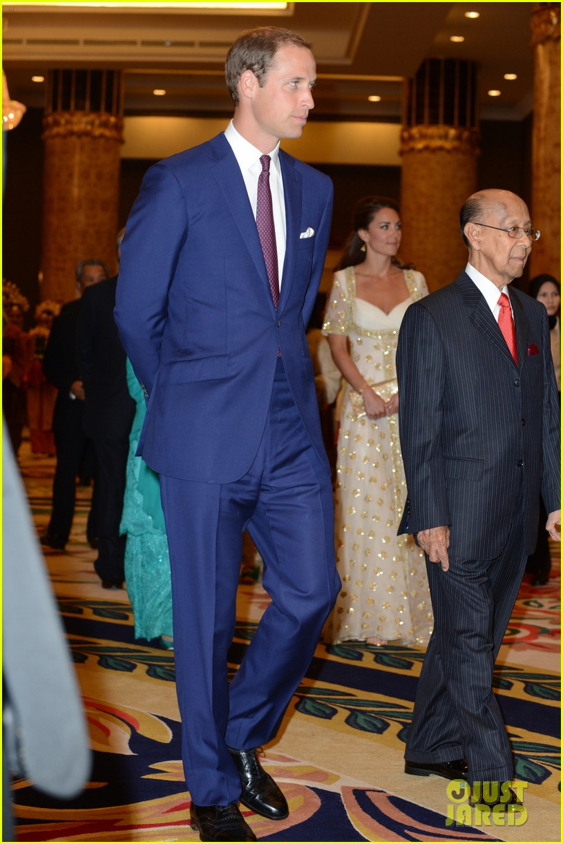 duchess kate prince william official dinner malaysia 03