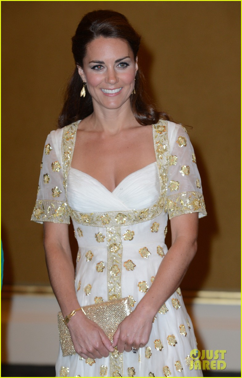 duchess kate prince william official dinner malaysia 042721169