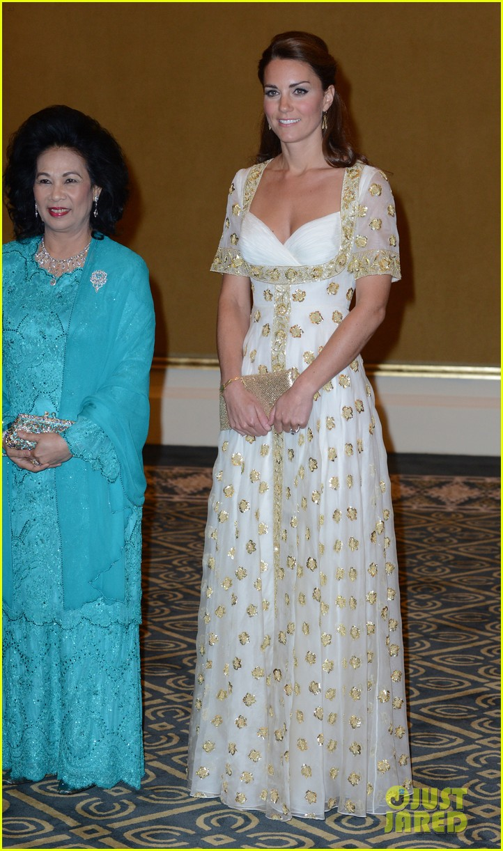 duchess kate prince william official dinner malaysia 082721173