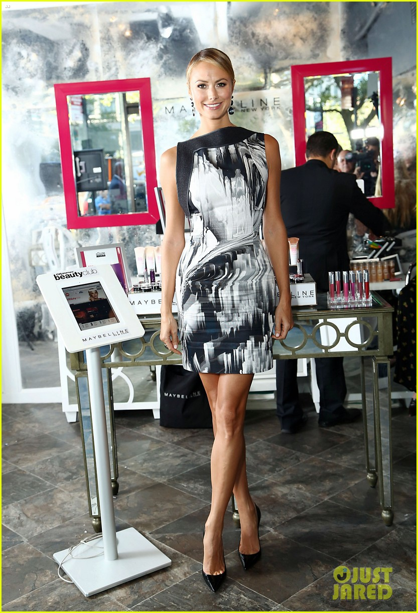 stacy keibler vera wang fashion show cvs event 07