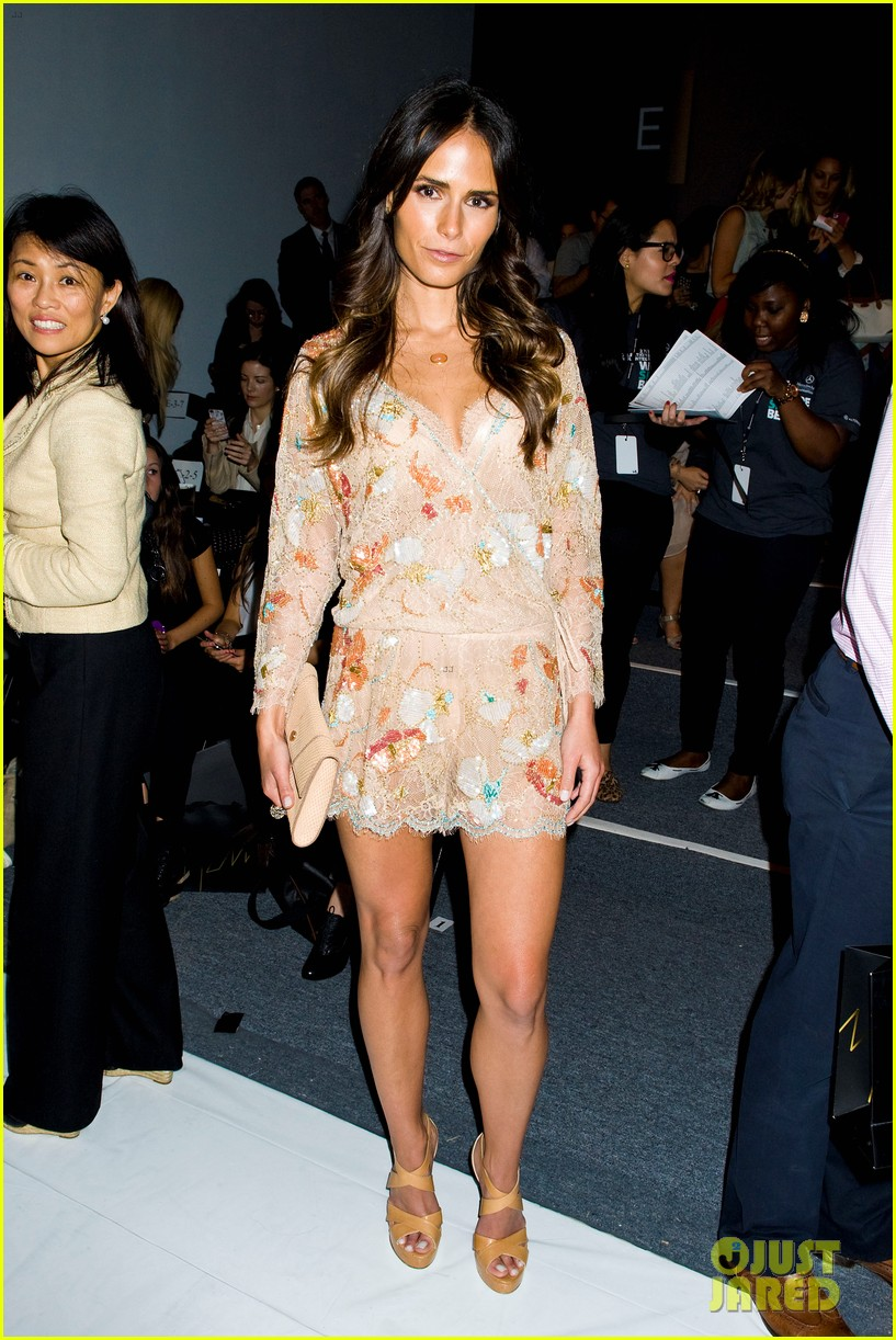 minka kelly jordana brewster fashion week shows 032719556