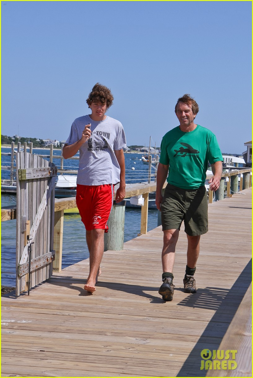conor kennedy boating with family 052713063