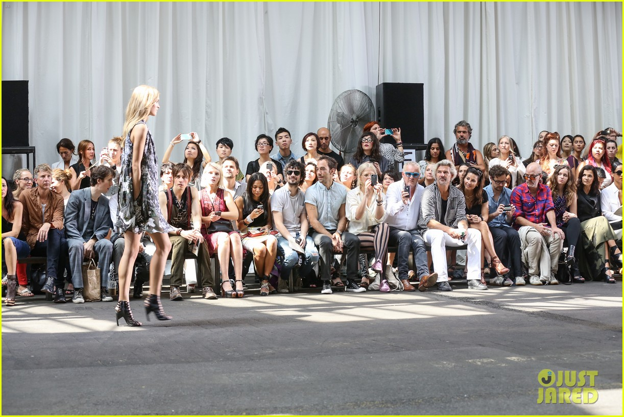 alicia keys reeve carney edun fashion show 05