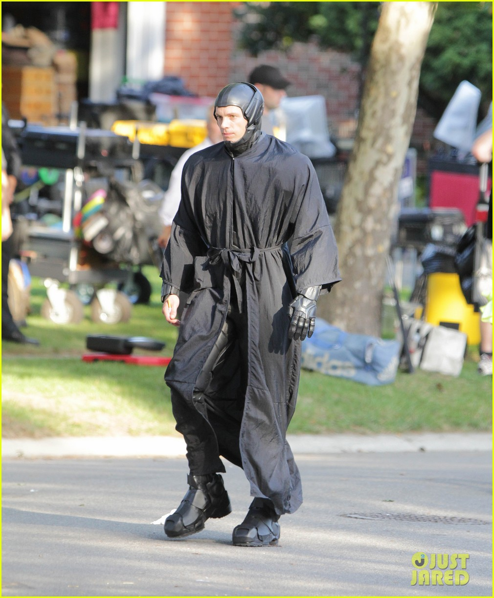 joel kinnaman as robocop first look 012723649