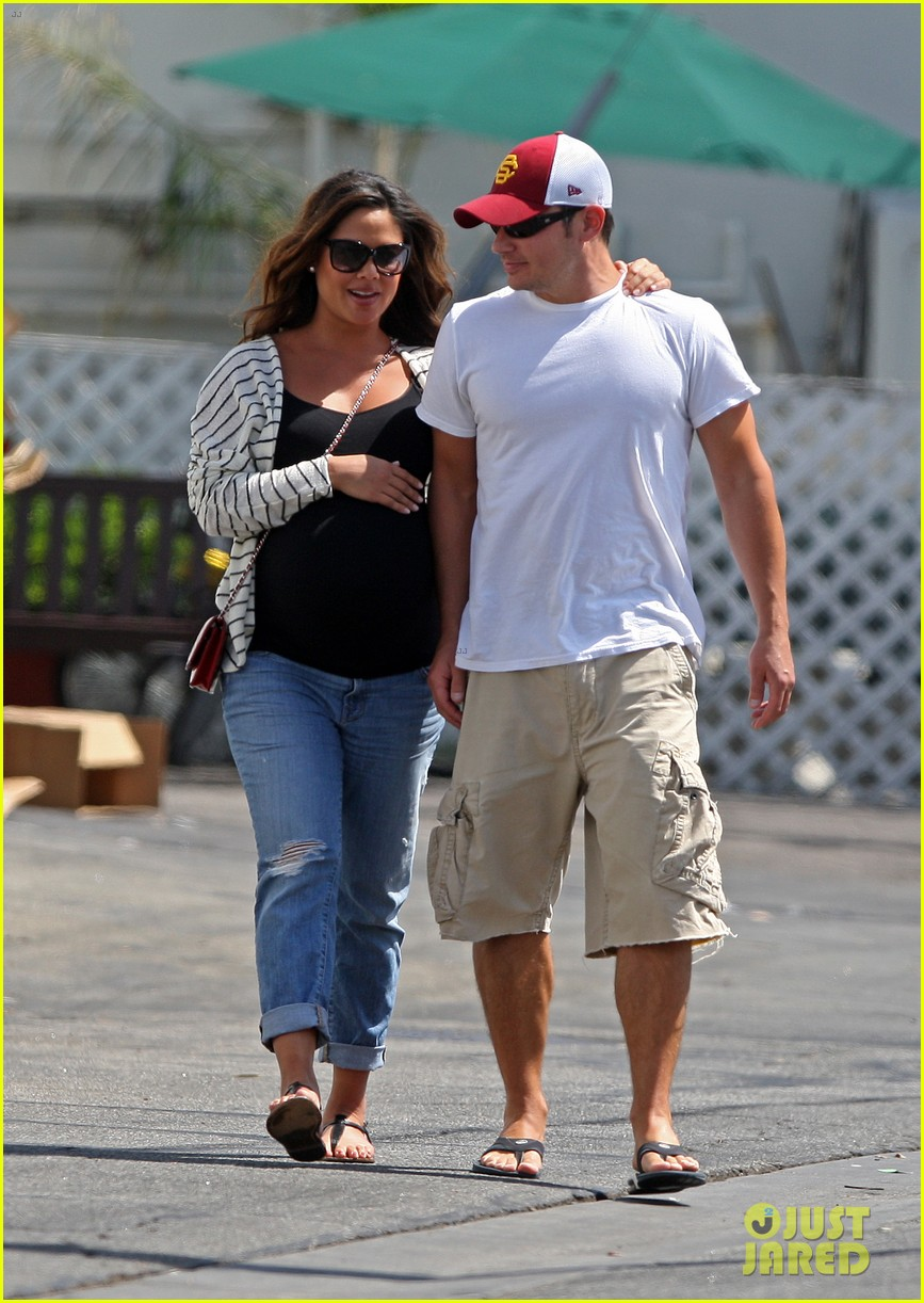 nick vanessa lachey welcome baby boy camden john 042720719