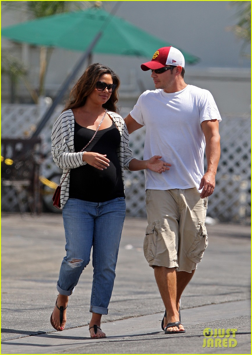 nick vanessa lachey welcome baby boy camden john 05