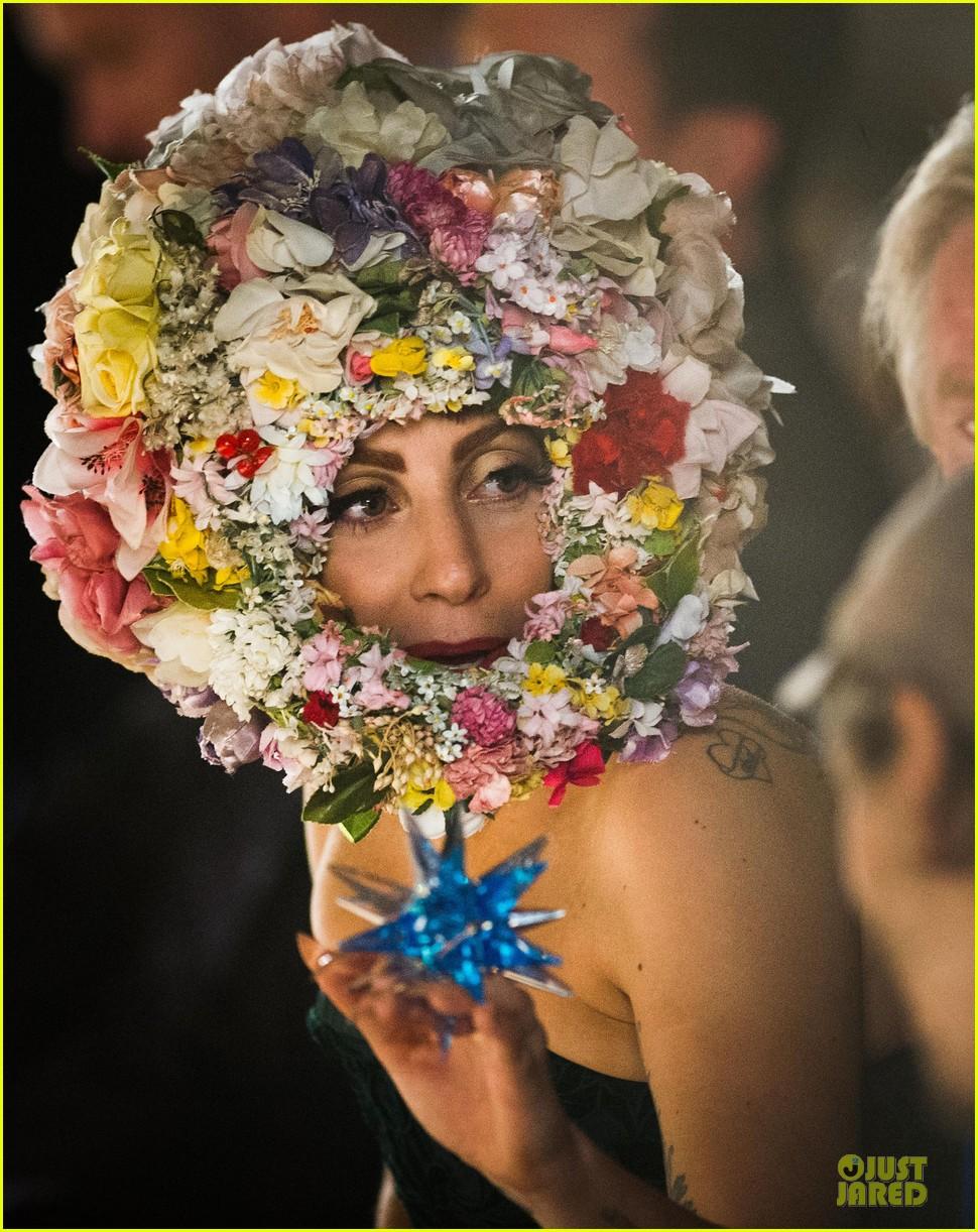 lady gaga philip treacy fashion show new 192723140