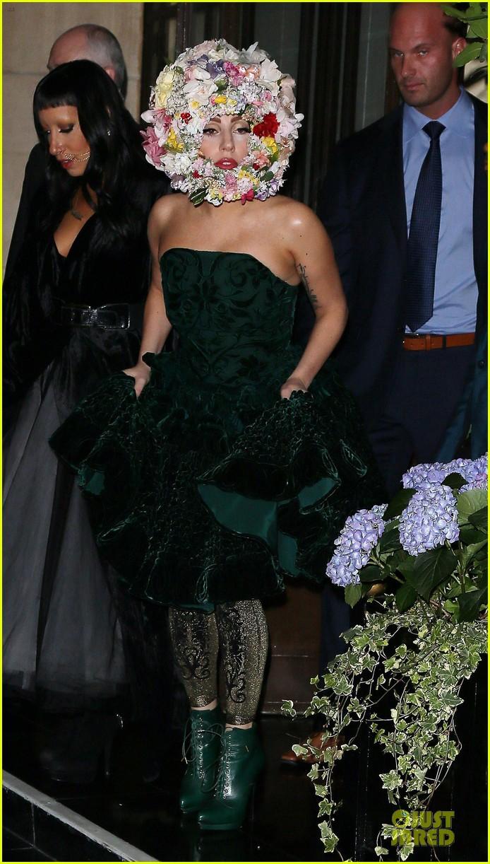 lady gaga philip treacy fashion show new 262723147