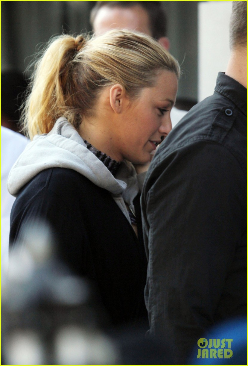 blake lively first post wedding sighting gossip girl set 062723566