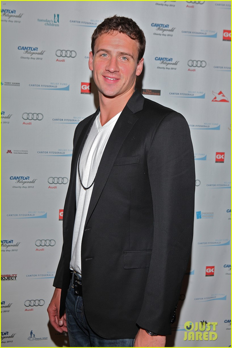 ryan lochte kate upton charity day 2012 08