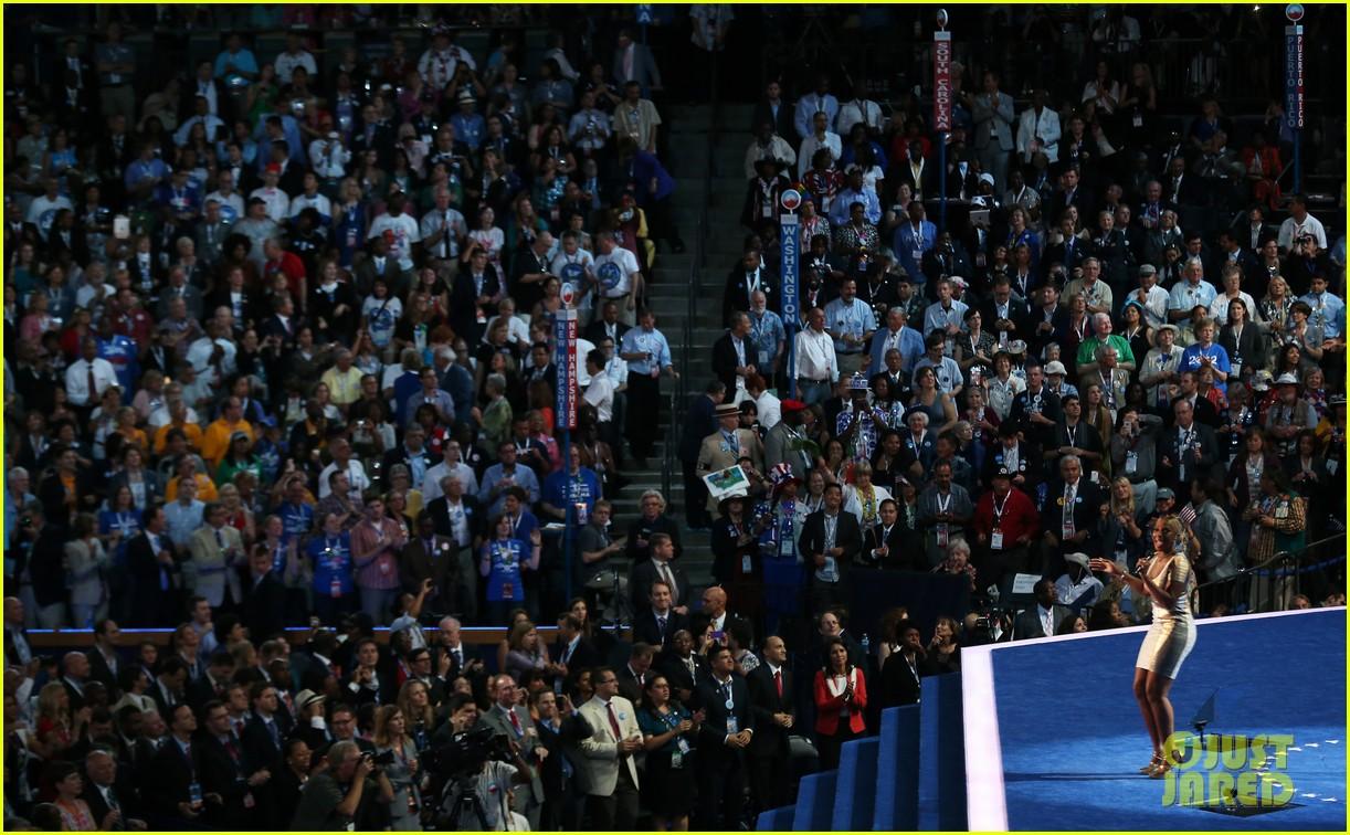 watch eva longoria speech at democratic national convention 242715691