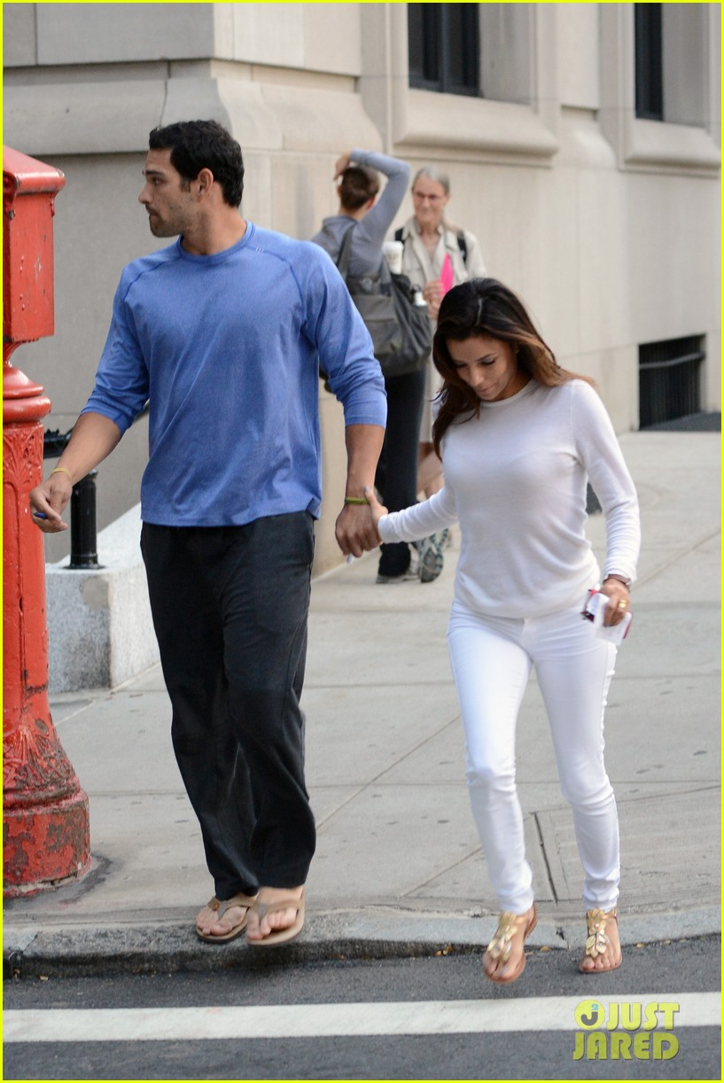 eva longoria mark sanchez holding hands 172727102