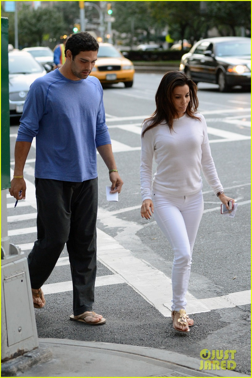 eva longoria mark sanchez holding hands 182727103