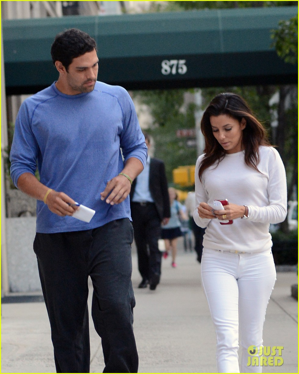 Did mark sanchez dating eva longoria height