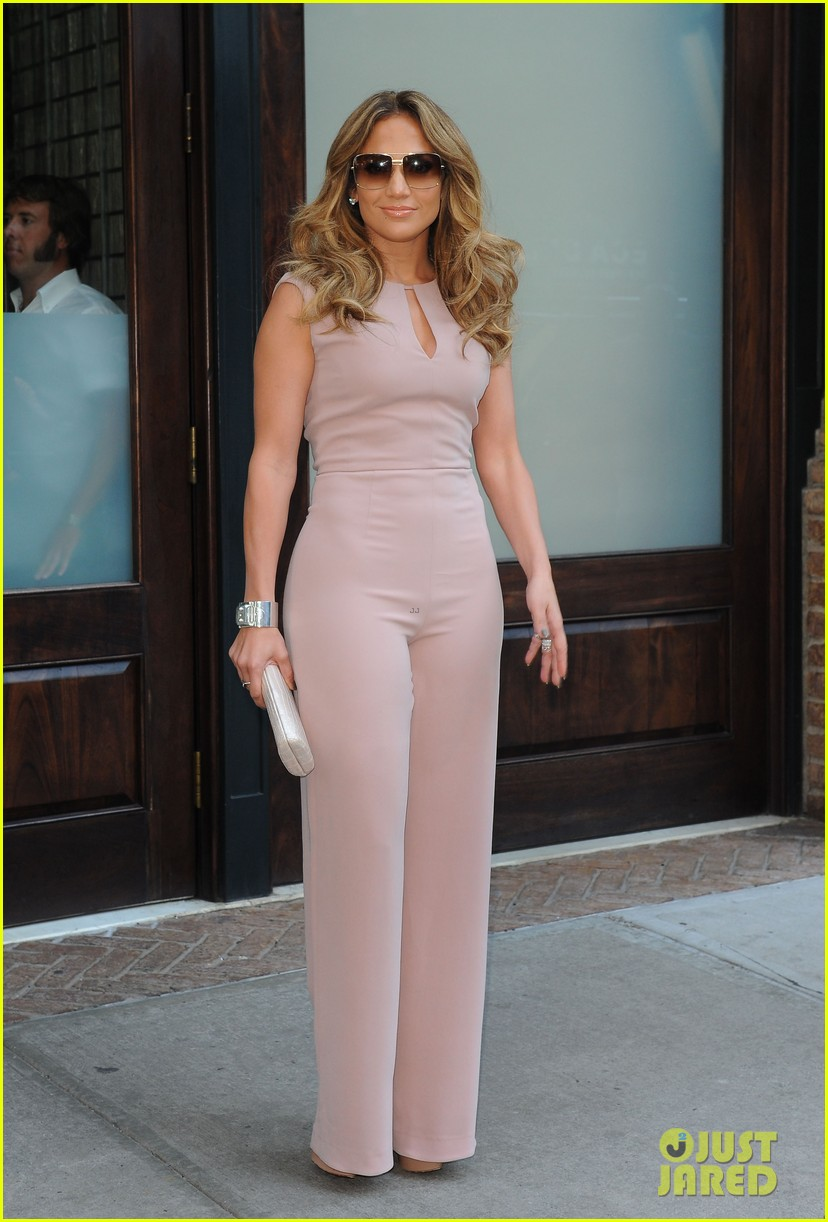 jennifer lopez joins nuvotv in owner creative positions 012720484