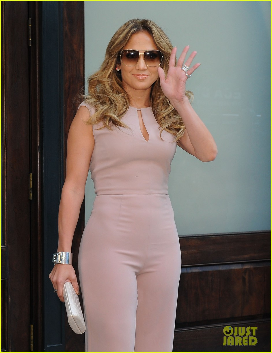 jennifer lopez joins nuvotv in owner creative positions 12