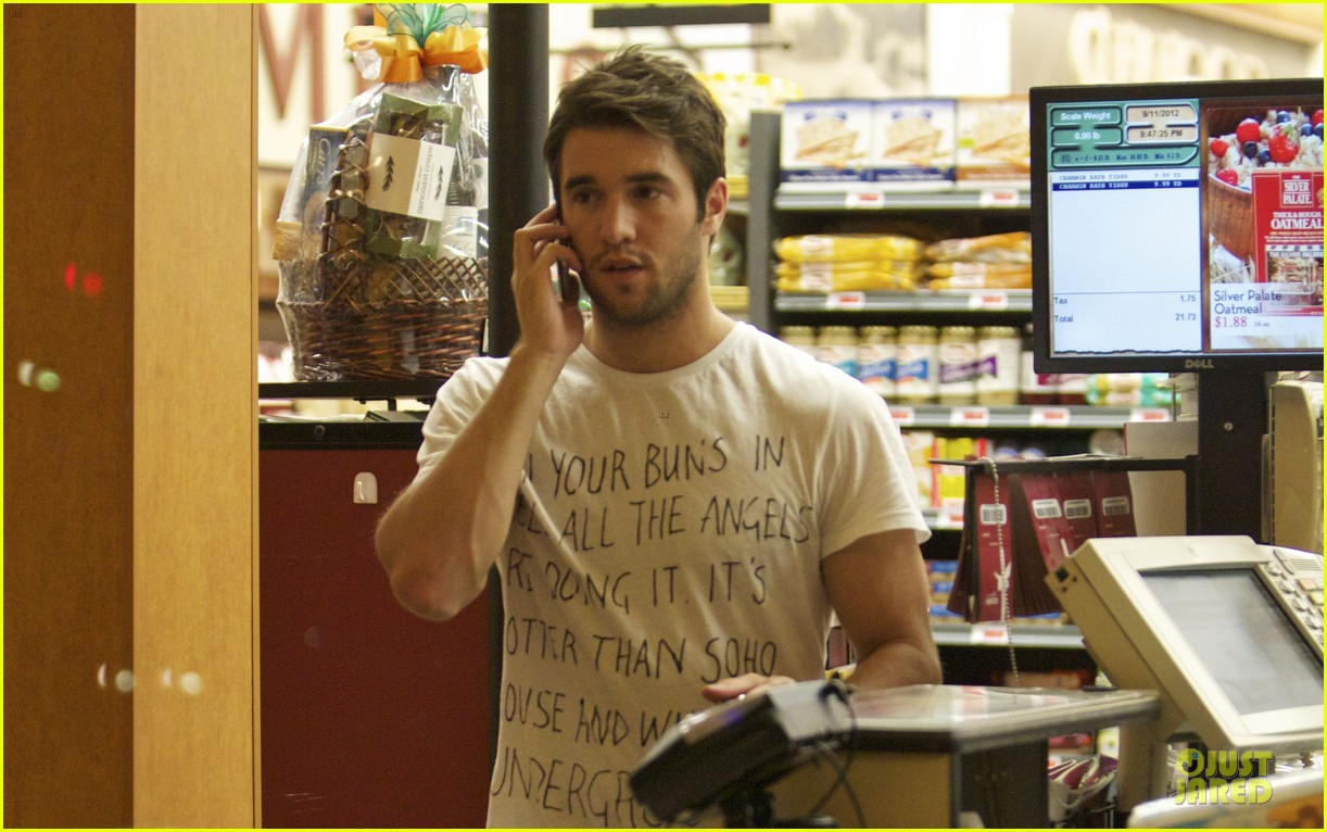 emily vancamp josh bowman revenge character is less of mamas boy 142720402