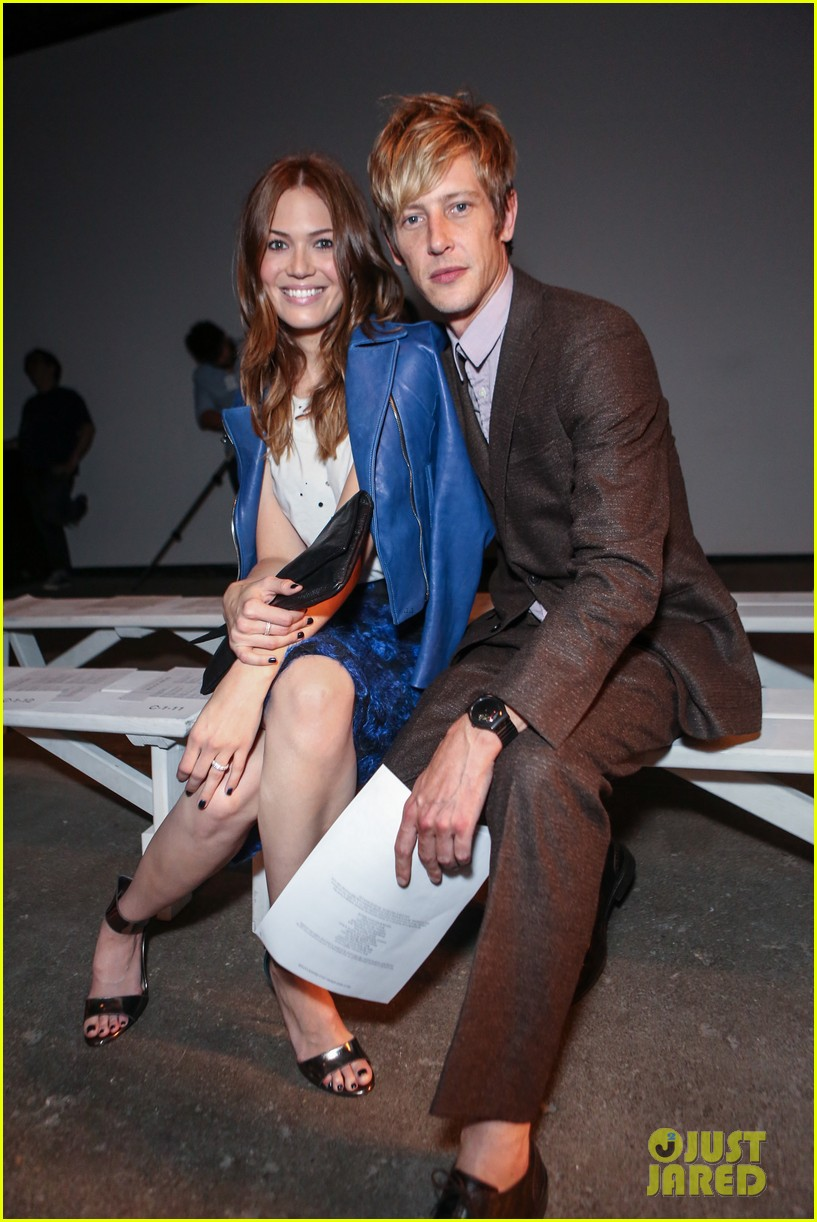 gabriel mann fashion fun with mandy moore and josh bowman 23