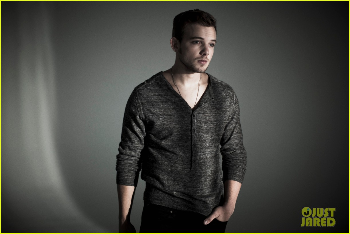 max thieriot just jared photo shoot 022725793