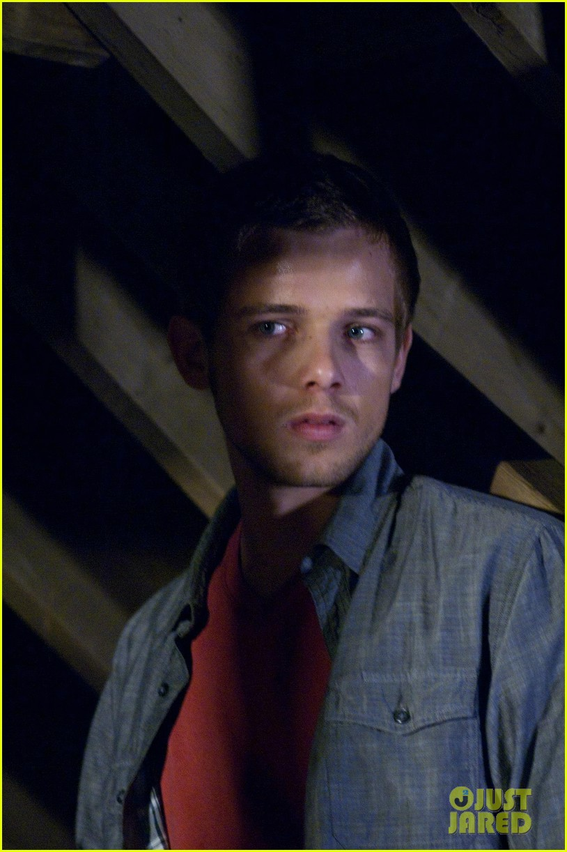 max thieriot just jared twitterview 012724370