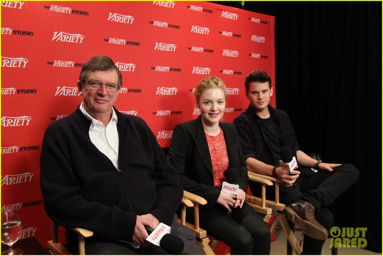 rachel mcadams jeremy irvine variety studio at tiff 05