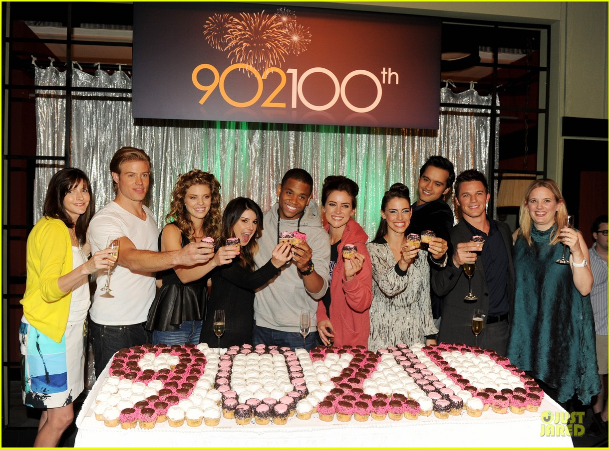 annalynne mccord 9010 100th episode celebration 02