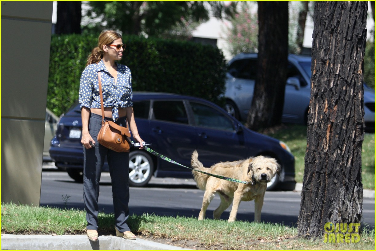 eva mendes dog day afternoon with hugo george 082712330