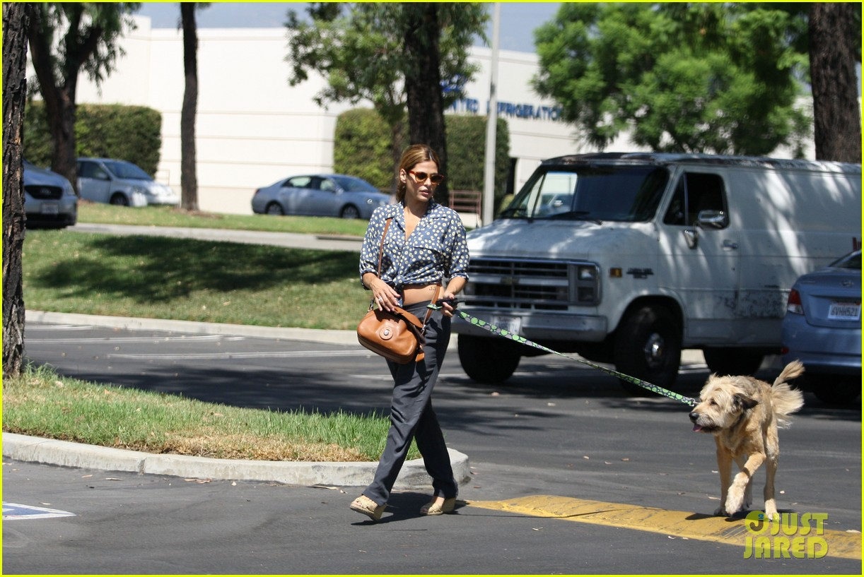 eva mendes dog day afternoon with hugo george 092712331
