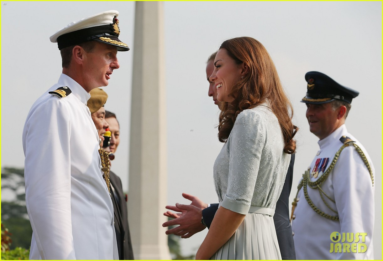 prince william duchess kate kranji war cemetery 11
