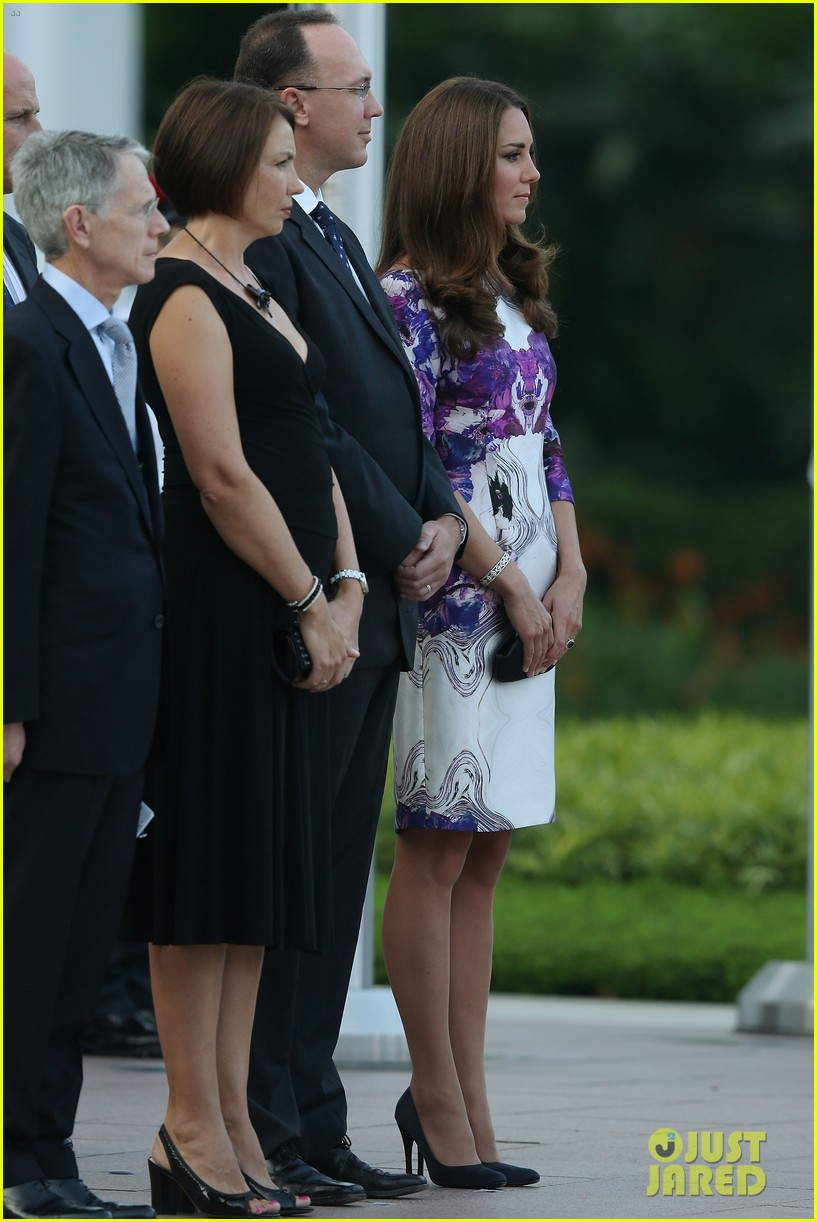 prince william duchess kate visit the istana in singapore 07